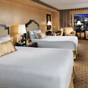 new-york-new-york-hotel-room-madison-queen-tif-image-300-300-high